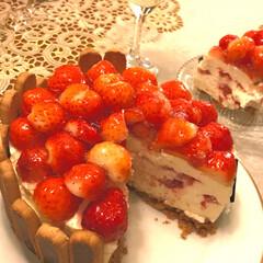 手作りケーキ/アフタヌーンティ/デコ/チョコリエール/スイーツ/節約/... 自宅で育てた3種のベリーを入れた 🍓盛り…