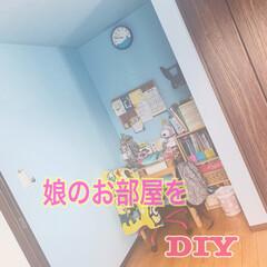 勉強机diy/勉強机/本棚DIY/手作り本棚/本棚/綺麗好き/... 娘のお部屋をDIY⚒ . 使い勝手の悪い…