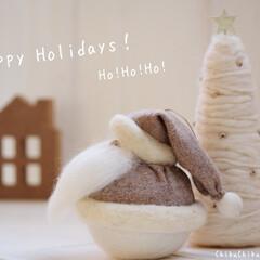クリスマス/サンタ/サンタクロース/羊毛フェルト/ニードルフェルト/ハンドメイド/... ニードルフェルトの太っちょサンタとツリー…