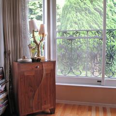 ブラックウォルナット/有機的/置き家具/個性的 単体の置き家具が忘れ去られていく昨今。 …