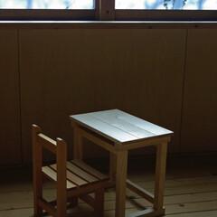 椅子 /ハンドメイド/子供椅子/昭和/学童椅子 まだ 窓枠を見上げていた頃...  みず…(1枚目)