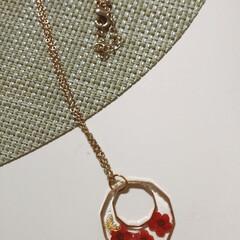 ネックレス/レジンアクセサリー/レジン 職場の方の新作ネックレス♥ 赤がかわいい…