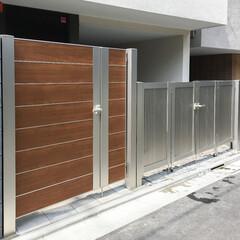 外構/エクステリア/門扉/クローズ外構 化粧ブロックとアルミ製門扉のモダンな門周…