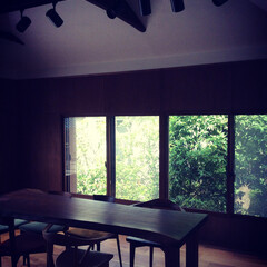 借景/梁/木壁/和室/リノベーション 和室をリノベーションして打ち合わせスペー…