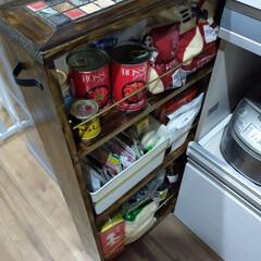 隙間収納/キッチン雑貨/DIY/インテリア/家具/キッチン/... 隙間収納を引き出してみた様子です。真鍮の…
