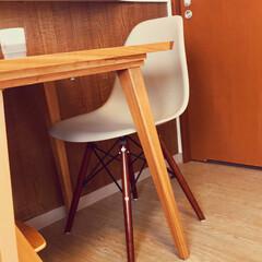 ダイニングチェア/インテリア/家具/住まい/イームズチェア/ダイニング/... 我が家のダイニングテーブルは小さいですが…