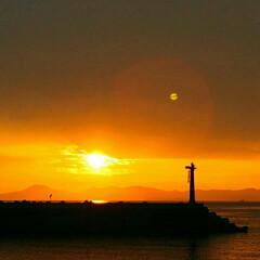 夕日/夕陽/旅 ホッとします 夕陽を見ると小さいころを思…
