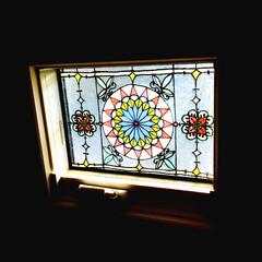 ダイソー ダイソーのガラス絵の具を使ってステンドグ…