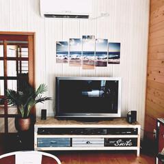 フェイクグリーン/壁紙/海外インテリア/西海岸インテリア/ビーチスタイル/テレビボード/... 2×4材、OSB合板などを使って丈夫なテ…