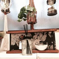DIY/壁紙/端材/飾棚/アンティーク調 余った壁紙と端材でアンティーク調の飾棚を…