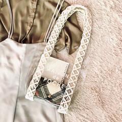 サステナブル/PVC/マクラメ/ハンドメイド/手作り/ハンドメイド作品/... 伸びがちな持ち手にマクラメ 編みを施して…(1枚目)