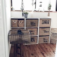 アイアンバスケット/無垢材の床/ランドリールーム/ジュート/ランドリーボックス/ダイソー 脱衣所にランドリーBOXを置いてます♪ …