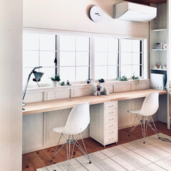 リノベ/IKEA/学習机/カフェ/ホワイト/DIY/... 物づくりをしたり、学習机にしたり幅広く使…