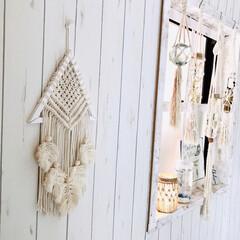 プラハン/ハーバリウム/窓枠DIY/ビーチスタイル/西海岸インテリア/壁紙/... 手作りのタペストリーやプラハンを使ってデ…
