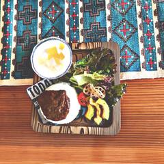 一枚板テーブル/ワンプレート/キリム/テーブルランナー/夏休み/フード/... キーマカレーをワンプレートにして子供も食…