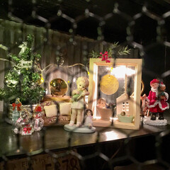 波板トタン/チキンネット/DIY/ハンドメイド/海外の人形/クリスマス/... 波板トタン+チキンネットのDIY棚にお気…