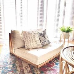 トルコ絨毯/ラタン家具/リネン/海外インテリア/BOHOインテリア/DIY/... ローソファをDIYしました。 背もたれを…(1枚目)