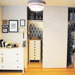 収納/片づけ/押入れ/クローゼット/納戸/ライフオーガナイザー/... 押入れの中と壁、そして、照明をペイントし…