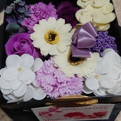 母の日 お花の入浴剤‼️ 初めてのお給料でプレゼ…