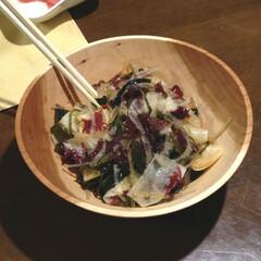 木の器 海藻サラダ。シウリザクラのボウル。