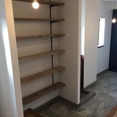 足場板/土間/エイジング 玄関の足場板シューズ棚とエイジング加工の…