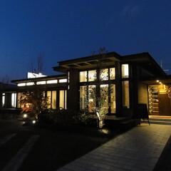 オーガニックハウス/外観/平屋 夜の外観も美しいオーガニックハウス。 帰…