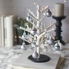 簡単DIY/DIY/海外インテリア風/海外インテリアに憧れる/クリスマス雑貨/クリスマスインテリア/... セリアのキッチンペーパーホルダーとデコレ…