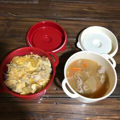 ボヌール/お弁当/セリア 親子丼と豚汁を持って、遅番の仕事へ行って…(1枚目)