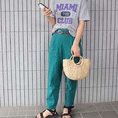 着まわしコーデ/ジーユー/ママファッション/ロゴT/リネンパンツ/GU/... 全身GUコーデ😊💓 グリーンのリネンパン…