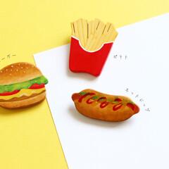 木製ブローチ/木製/木工/ブローチ/ファストフード/ハンバーガー/... 【木製ブローチシリーズ】 ハンバーガー/…