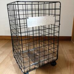 ゴミ箱/ワイヤーラティス/インテリア/DIY/100均/セリア/... ワイヤーラティスで作ったゴミ箱🗑 キャス…