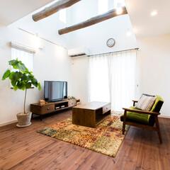 古木の梁/無垢の床/リボスを塗った床/吹抜けのある家/塩系の家/カフェスタイルの家 古木の梁に無垢の床、塩系のカフェスタイル…