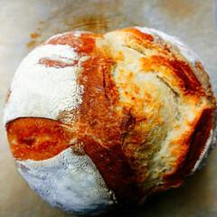 YouTube/ハードパン YouTubeで、簡単パン作りを見ながら…
