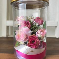 ハーバリウム/バラ/リボン/造花/ドヂ/雑貨/... 造花でハーバリウム的な物を作ろーと。。。…