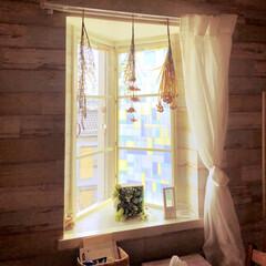 窓/DIY/100均/ダイソー/住まい 三角出窓に網戸がないので、ステンドガラス…