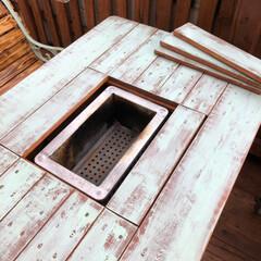 ベランダベンチ/DIY/ハンドメイド/キッチン/家具/住まい ベランダ屋根の端材でBBQテーブルを自作(2枚目)