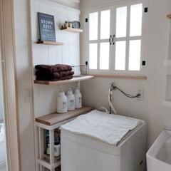 窓枠DIY/隙間収納/洗面所棚/洗面所DIY/洗面所インテリア/洗面所収納/... 住み始めて、約10年が経とうとしています…