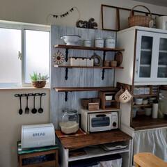 手作り棚/キッチンDIY/板壁ディスプレイ/食器棚/ダイソー/セリア/...