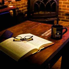 薪ストーブのある家/宇都宮/木の家/英字本/リーディンググラス    英字の本が、オシャレなインテリアに…