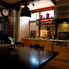 ペンダントライト/時計/スイージーのウッドワン/キッチン/ウッドワン/ダルトン/... 木の扉のキッチン 木の家にベストマッチで…