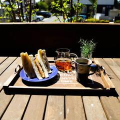 DIY/益子焼/コーヒーのある暮らし/コーヒー/宇都宮/木の家/... 天気が良いので、テラスでカフェ気分🎵 ポ…