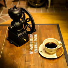 エイジング/鋳物/宇都宮/コーヒーのある暮らし/カリタ/コーヒーミル/... 鋳物のコーヒーミル ズッシリとした重さで…