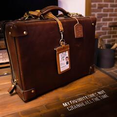 HERZ/相棒/阿部興業 しっかりした作りのHERZの鞄 良き相棒…