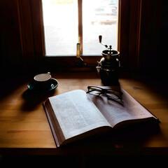 木の家/宇都宮/コーヒーのある暮らし/コーヒー/窓辺/カウンター 窓辺でコーヒーを嗜む。こんな雰囲気はいか…