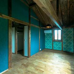 阿部興業株式会社/無垢材/木の家づくり/宇都宮市/栃木県/サイエンスホーム/... 華やかな壁紙です。 輸入の物です。貼るの…
