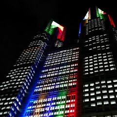 夜景/都庁/オリンピック オリンピックカラーの都庁 あと一年ですね