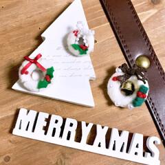 手作り雑貨/クリスマスグッズ/ミニリース/ブローチ/羊毛フェルト/ハンドメイド ミニミニサイズの羊毛リース♪