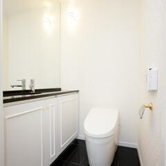 トイレ 白で統一されたトイレです。