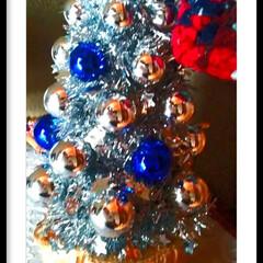 玄関先アレンジ/切り株/Xmasツリー/Xmasディスプレイ/クリスマス2019/リミアの冬暮らし/... 我が家のXmas、玄関先。  切り株は、…(1枚目)