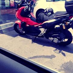 バイク ツーリングかな? かっこよいバイク発見🤩…